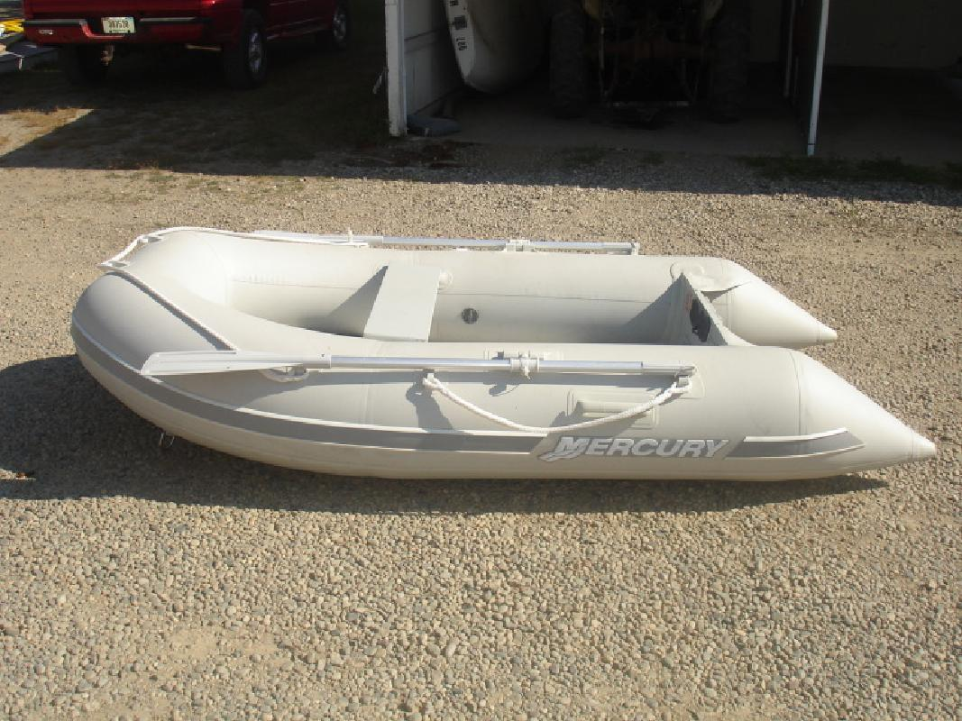 9- 2005 Mercury Sport Series 270 Inflatable