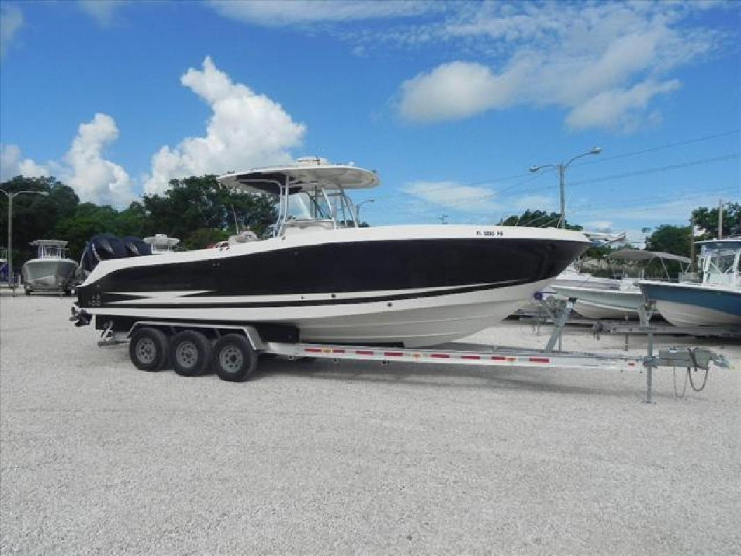 2007 29' Hydra-Sports Vector Series 2900 CC in Key Largo, Florida