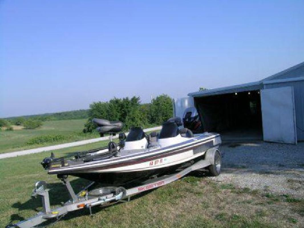 $18,000 2004 19 foot skeeter tzx190