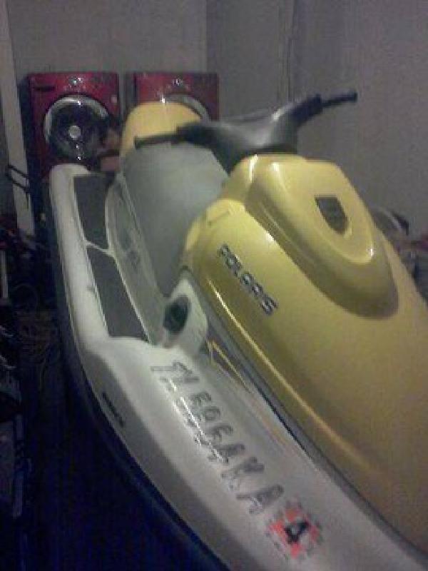 $3,000 2004 polaris jet ski (dallas)