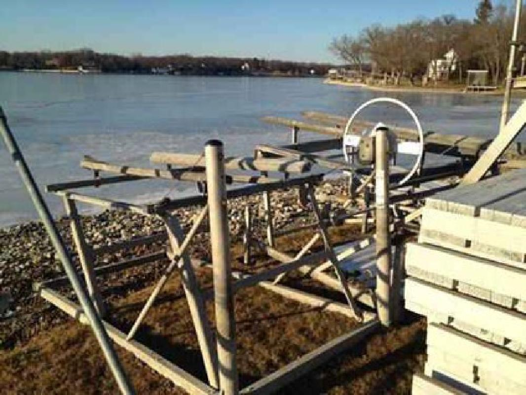 Jet Ski Lifts For Sale >> 500 Pwc Jet Ski Lift For Sale In Mchenry Illinois All Boat