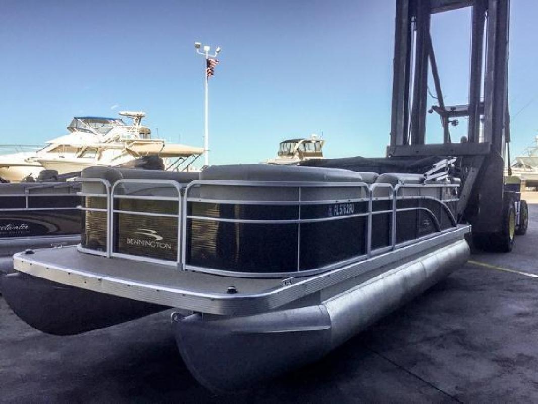 2012 Bennington 22 SL Destin FL