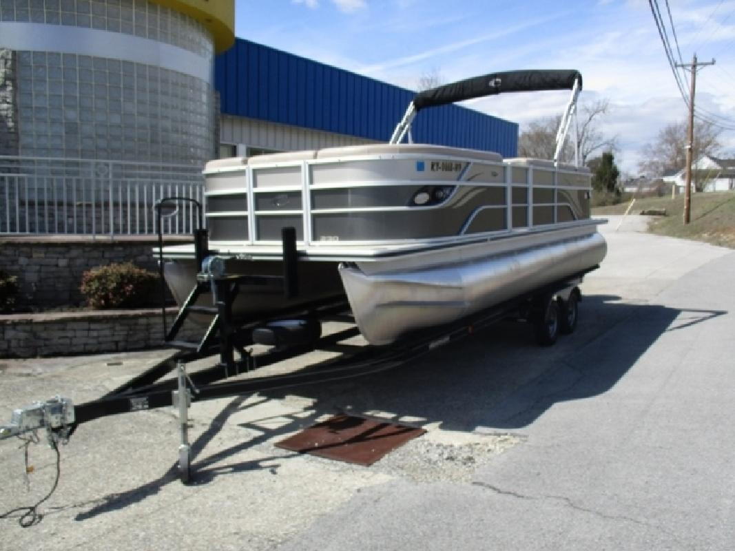 2013 Crest Classic 230 Series SL in Somerset, KY