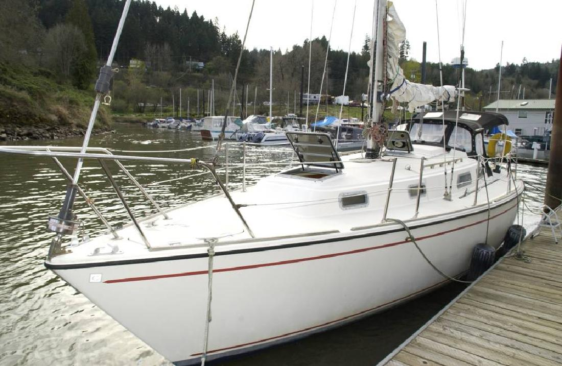 1984 34' PEARSON 34 Centerboard Sloop Rigged Sailing Yacht in Portland, ...