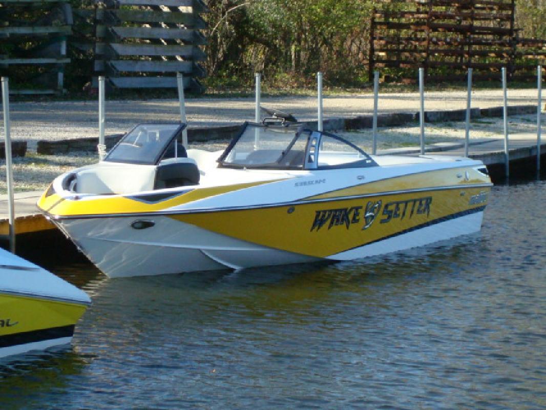 2011 23' Malibu Luxury Sport-V Sunscape 23 LSV