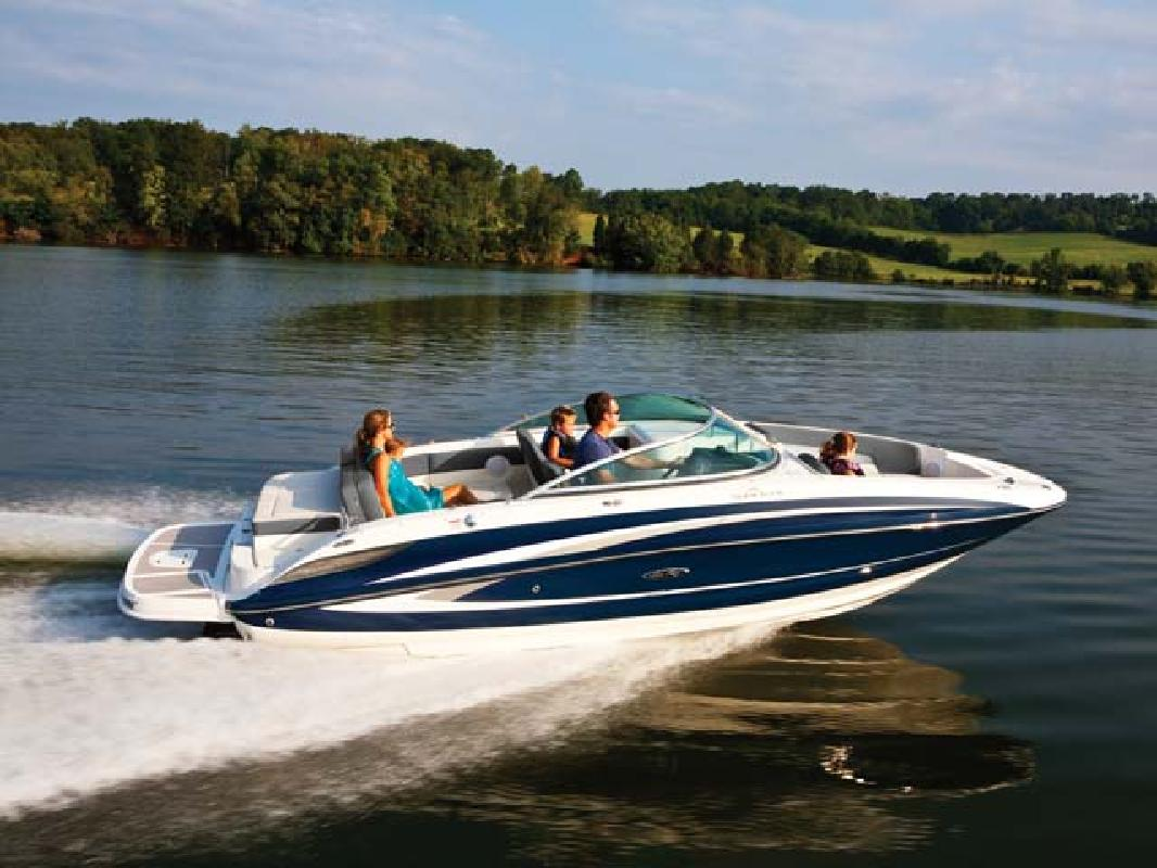 2011 24' Sea Ray Sport Boat 240 Sundeck