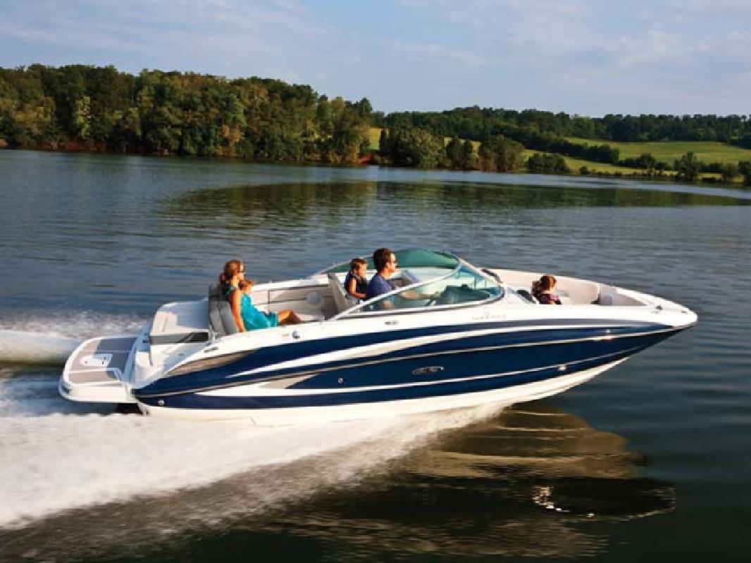 2012 24' Sea Ray Sport Boat 240 Sundeck