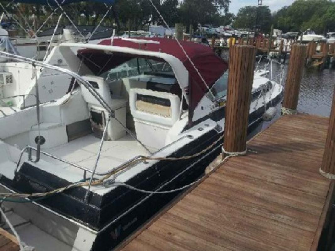 $2,000 OBO 1988 Wellcraft 32' St. Tropez Motor Boat