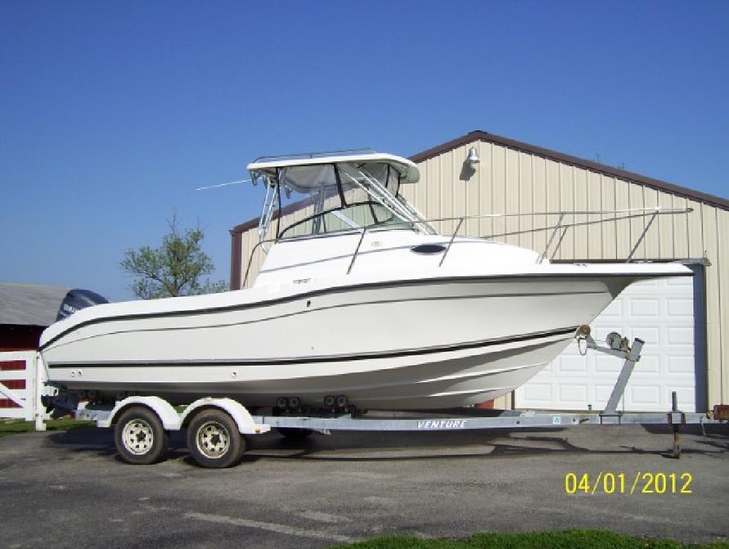 2002 23' Sea Swirl Boats Striper 2301 WA (Excellent Condition!)
