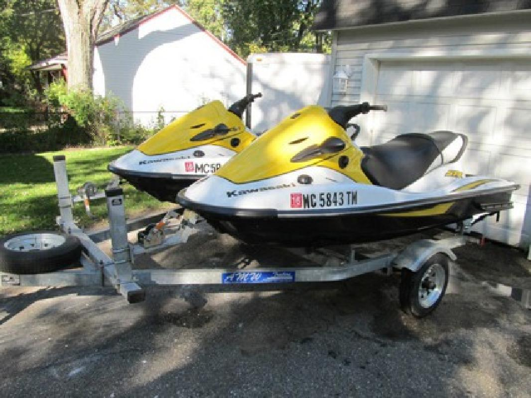 $2,995 2006 2 Pwc - Kawasaki 900 Stx 3 Person Jet Skis $3000