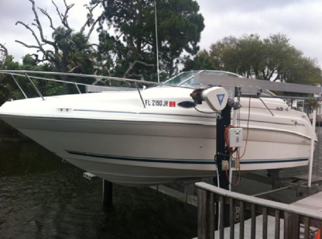 $10,900 1997 Sea Ray Sundancer 240