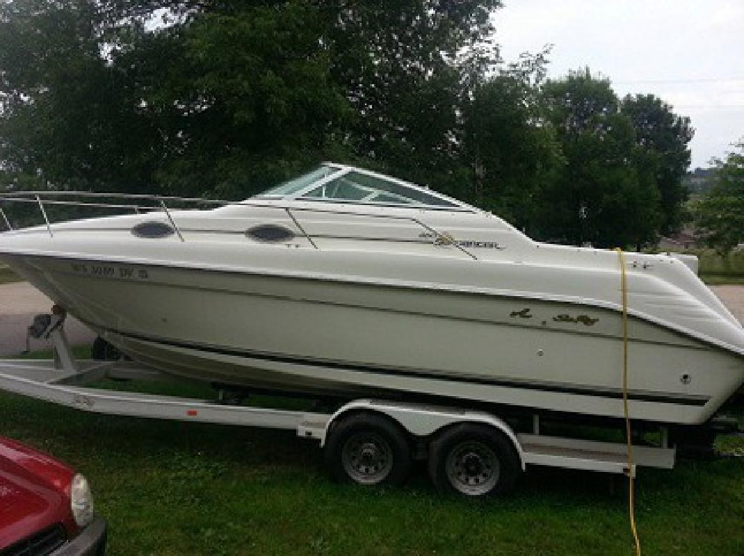 $3,015 1996 Sea Ray Sundancer 250
