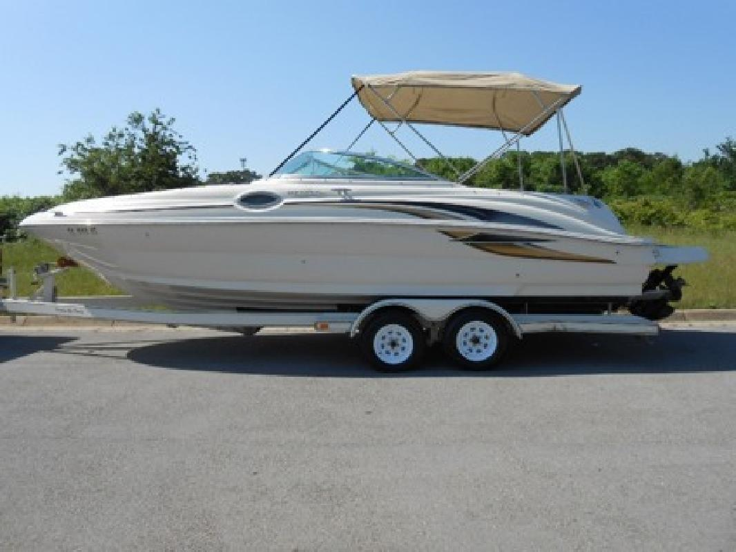 $8,650 OBO 2001 Sea Ray 240 Sundeck 24ft Deck Boat