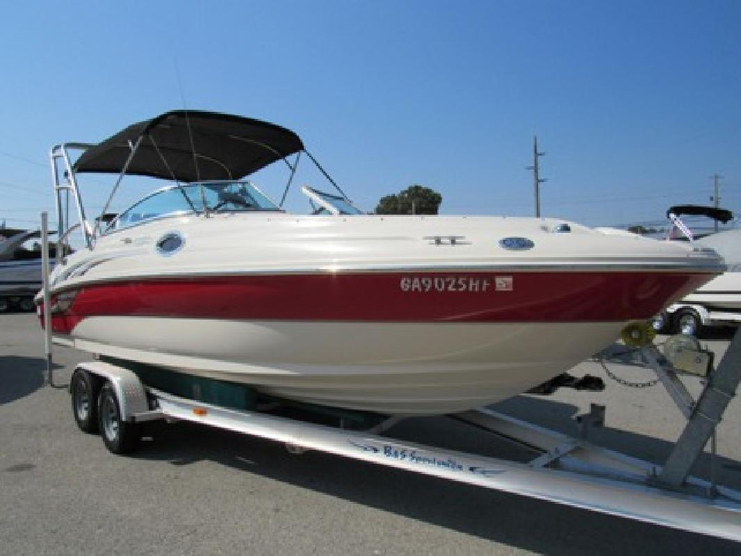 $26,995 2004 Sea Ray 240 Sundeck Deck Boat