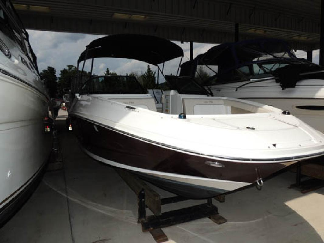 2014 Sea Ray Boats 220 Sundeck Outboard Woodbridge VA