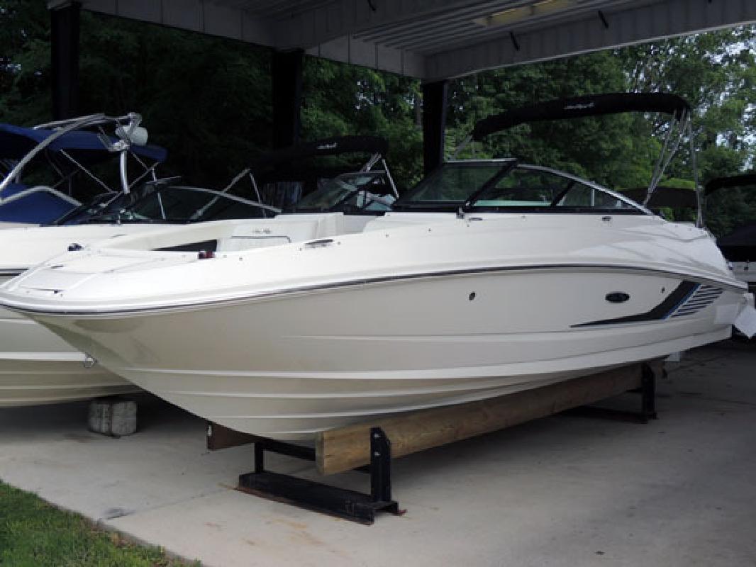 2015 Sea Ray Boats 220 Sundeck Outboard Woodbridge VA