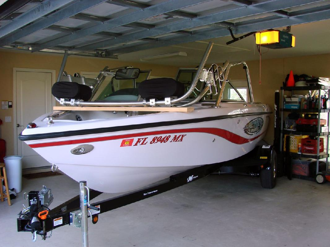 2005 21' Correct Craft Inc Super Air Nautique 210