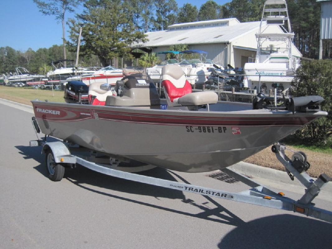 2003 - Tracker Boats - Super Guide V-16 SC