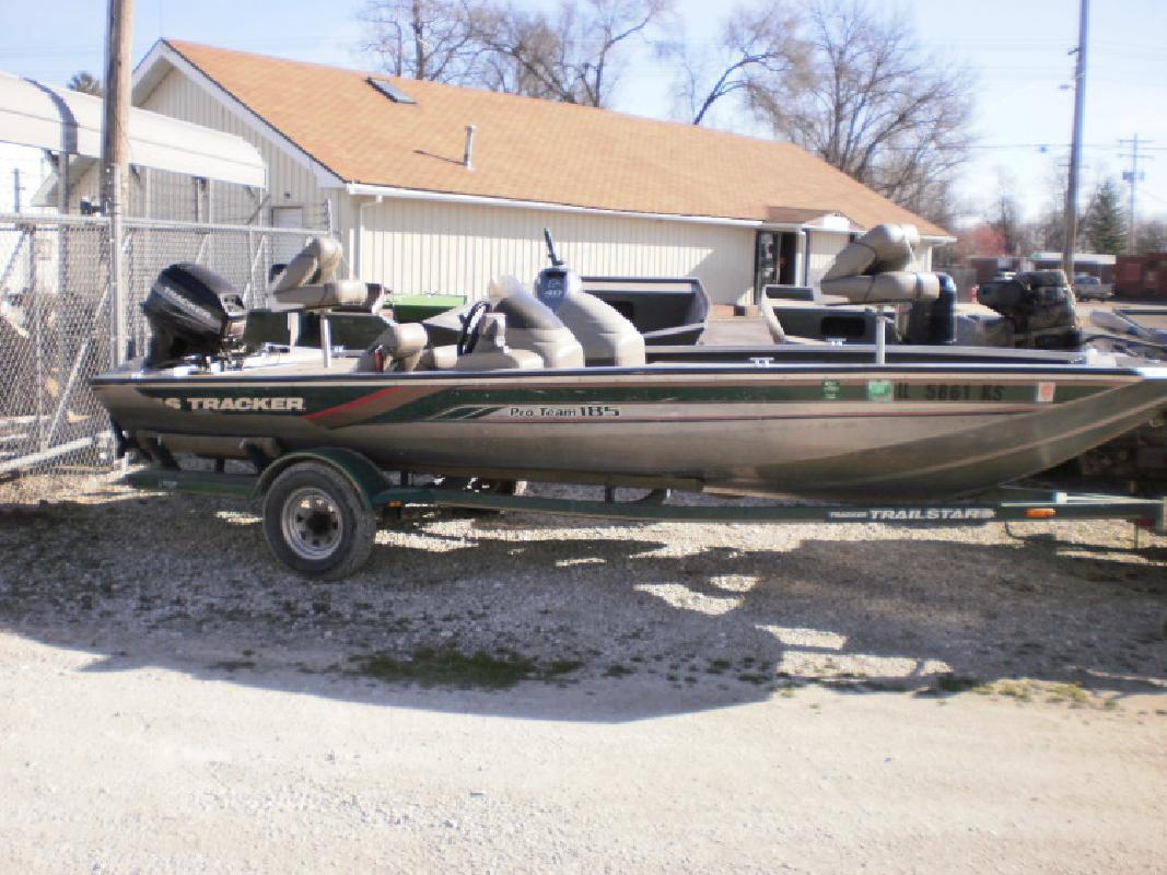 1998 - Tracker Boats - Pro Team 185 in Beardstown, IL