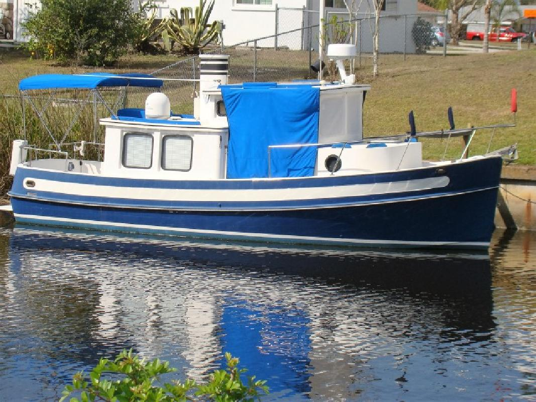 NORDIC TUG 26 1984 WITH CUSTOM TRAILER in Punta Gorda, FL