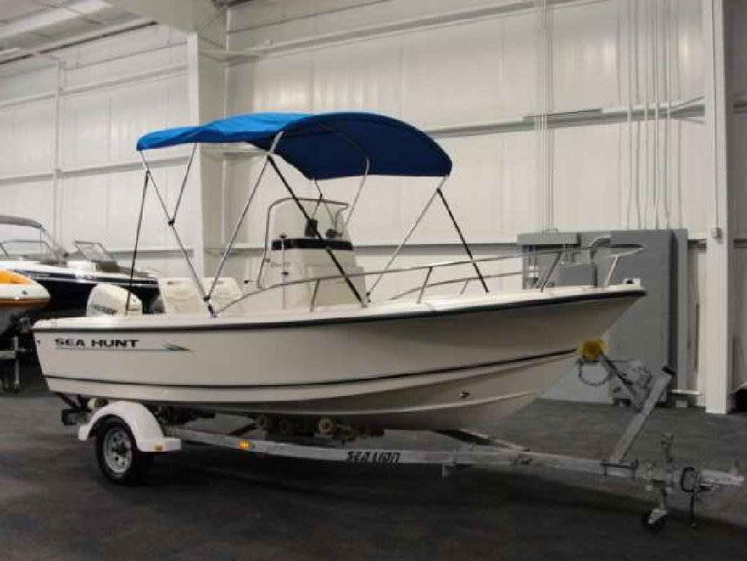 2006 17' Sea Hunt Triton 172 CC in Kalamazoo, Michigan