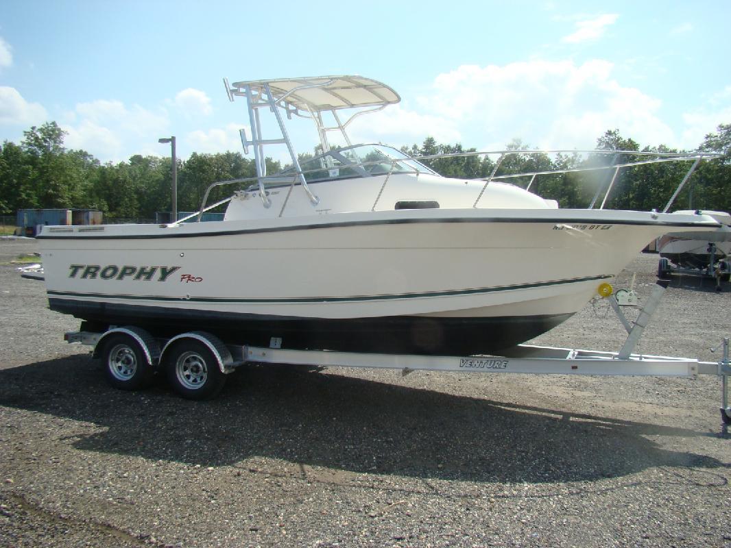 2003 23' Bayliner TROPHY PRO 2352 for sale in Egg Harbor