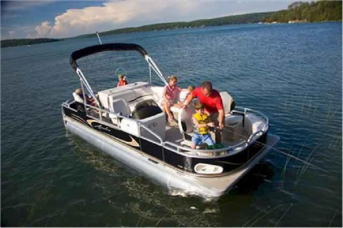 New 2010 Avalon Pontoon Tropic CT FISH