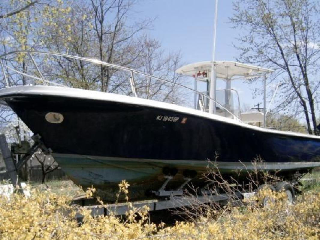 1981 28' Master Marine True World Center Console