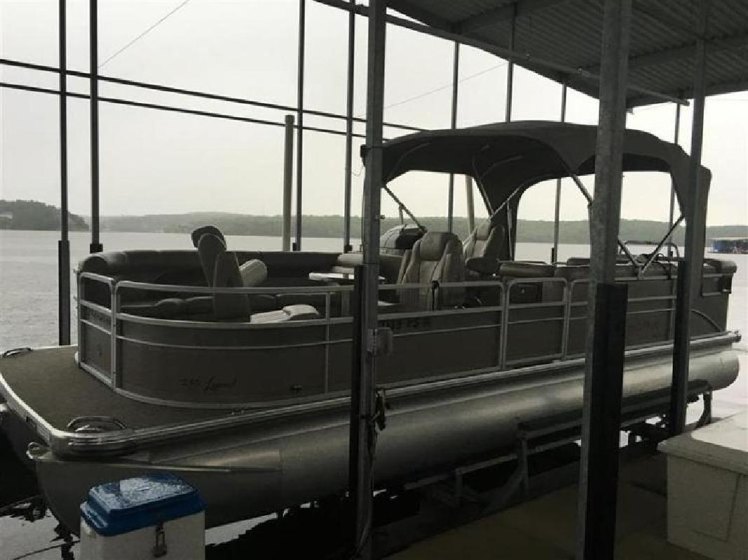 2007 Premier 250 Legend Triple Tube in Lake Ozark, MO