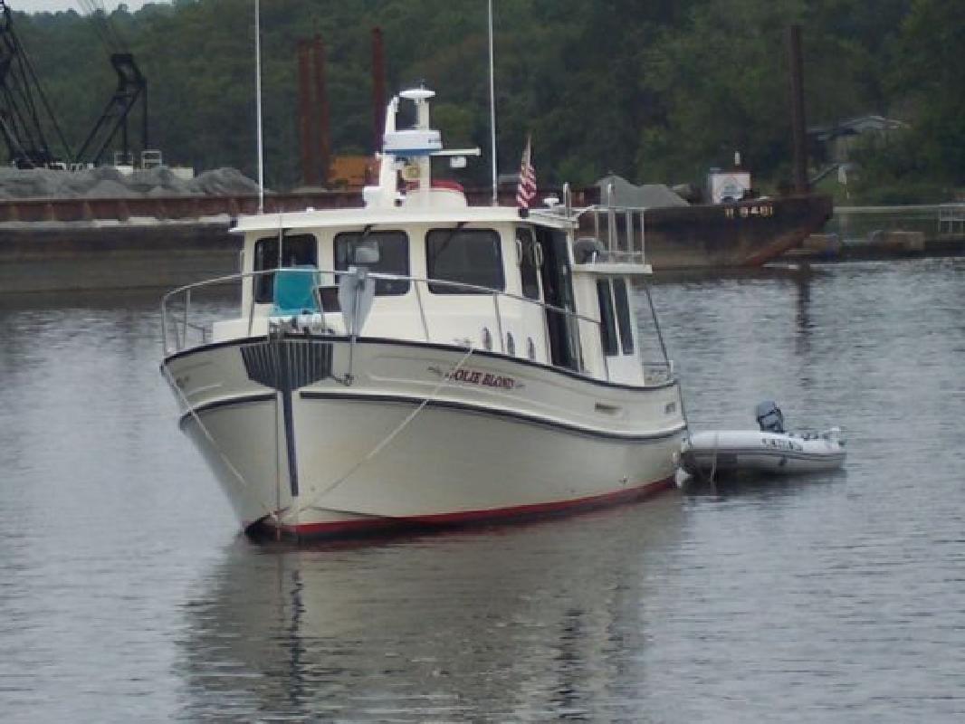 2004 37' NORDIC TUGS 6bta5.9-M3