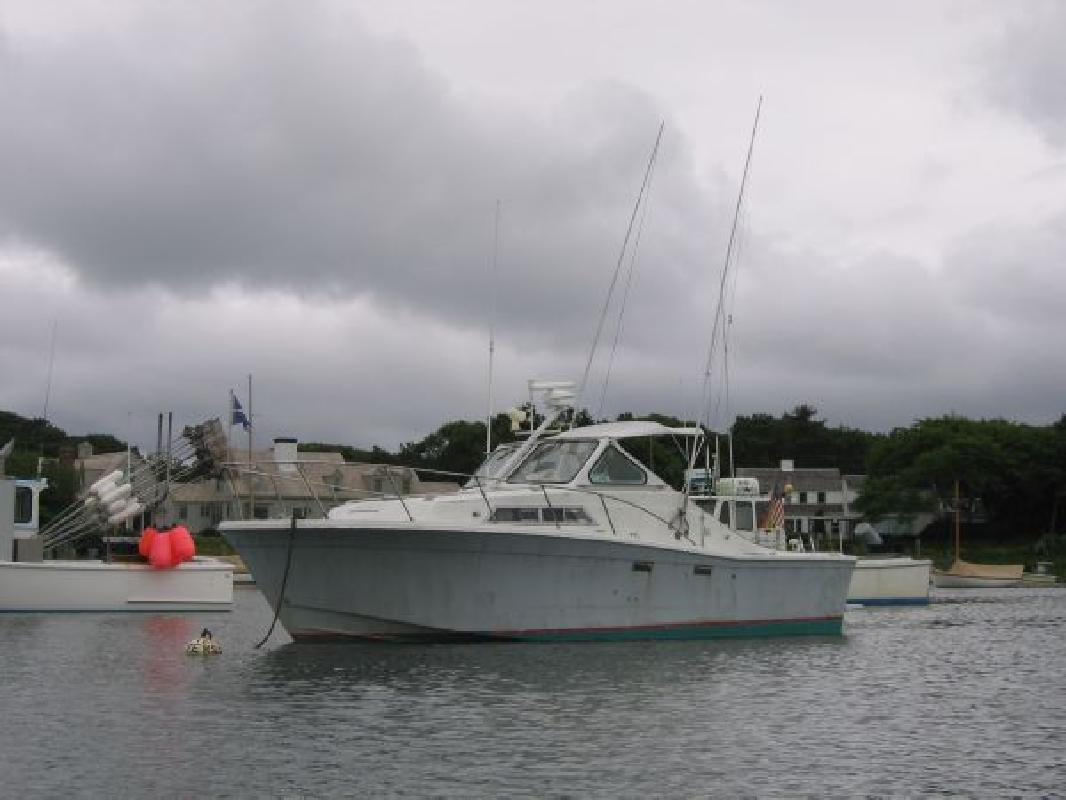 1976 28' Uniflite Sportfish