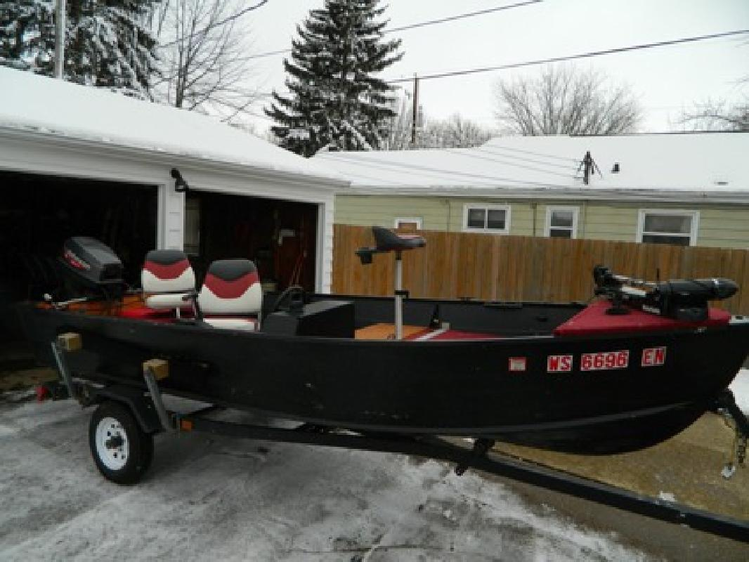 2 100 obo 16 39 1986 grumman w 50hp johnson outboard for for Outboard motors for sale in wisconsin