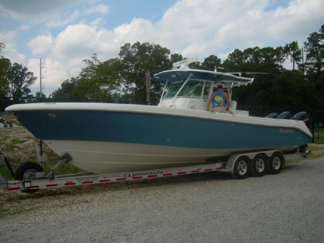 2008 35' Everglades Boats 35CC (Warranty till 2013! 198 Hours!)