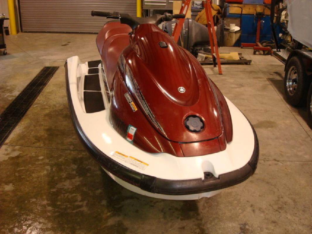 2001 11' Yamaha Wave Runner XL700 for sale in Syracuse