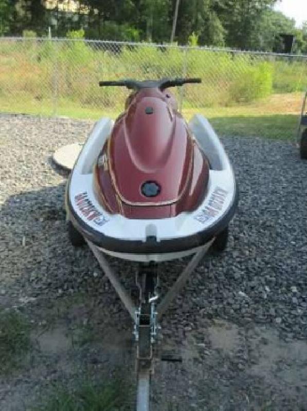 $2,999 2000 Yamaha WaveRunner XL700