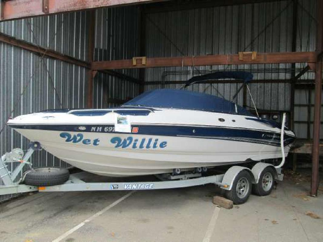 2004 CROWNLINE 216 LS Weirs Beach NH