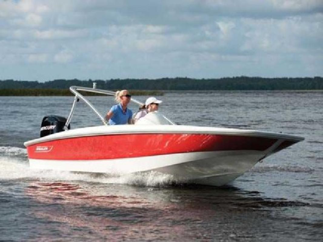 $16,823 2010 Boston Whaler 150