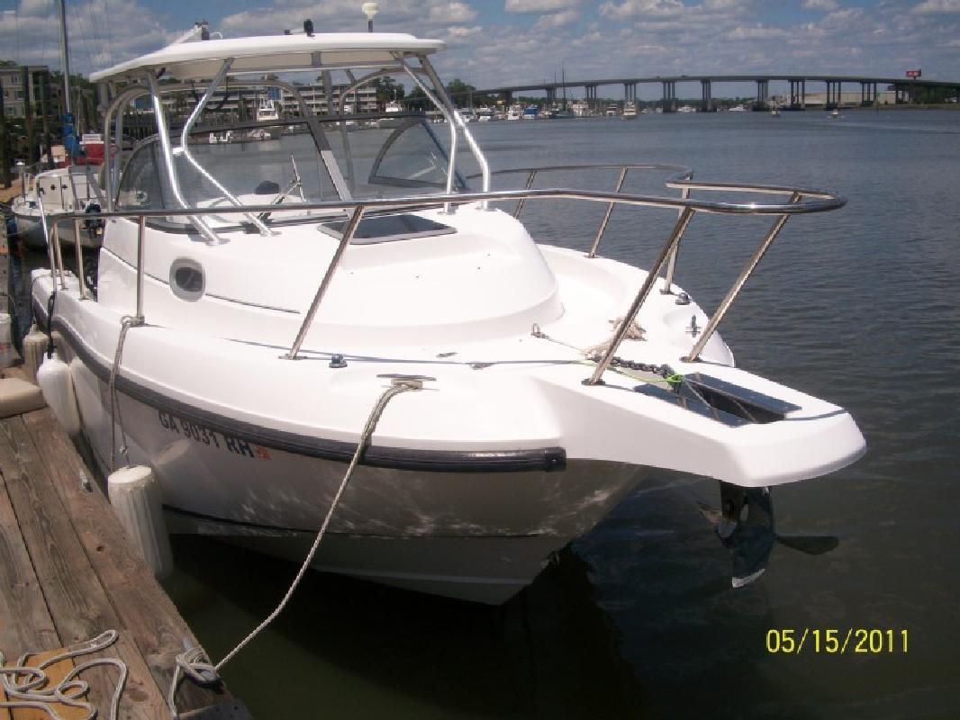 2005 25' Boston Whaler 255 Conquest