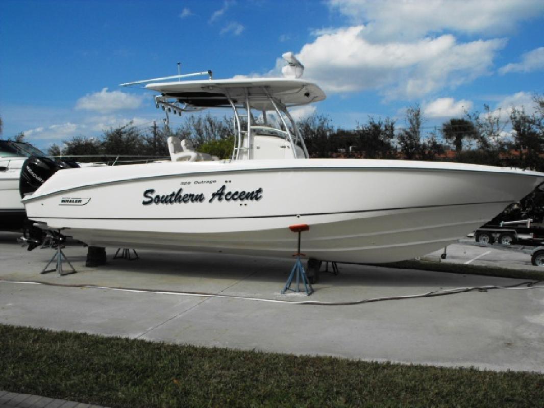 2005 32' Boston Whaler 32 OUTRAGE in Stuart, Florida