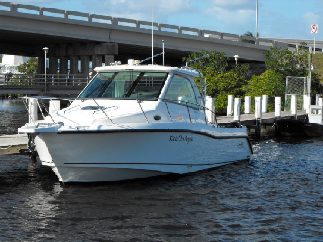 2010 34' Boston Whaler 345 CONQUEST