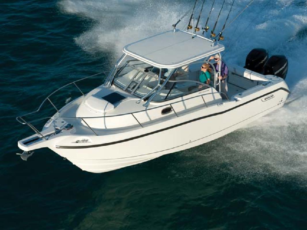 2011 30' Boston Whaler Conquest 285
