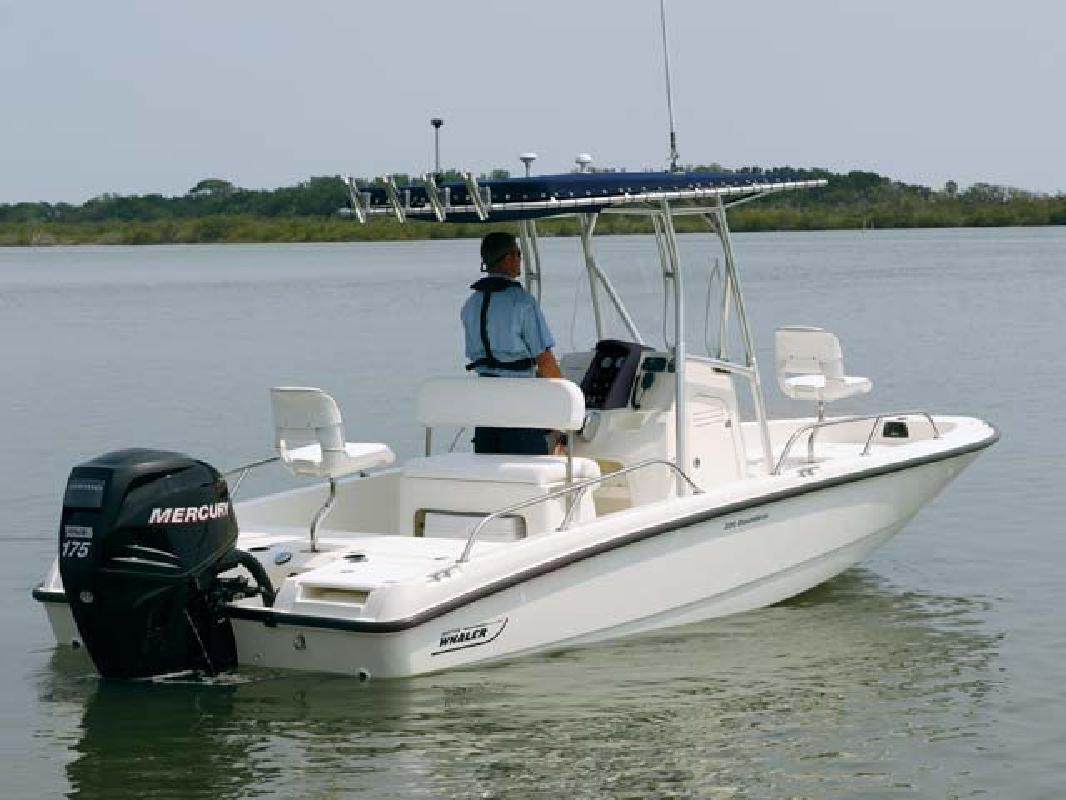2011 20' Boston Whaler Dauntless 200