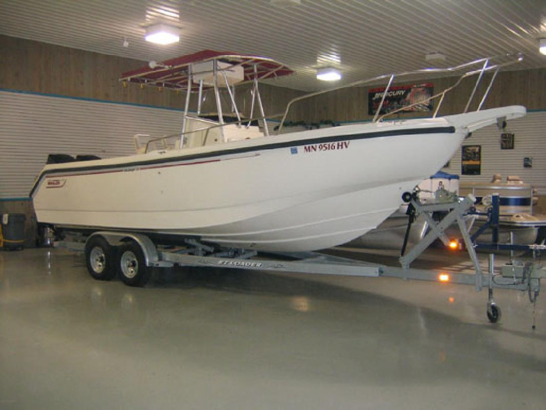 1999 26' Boston Whaler Outrage 26'