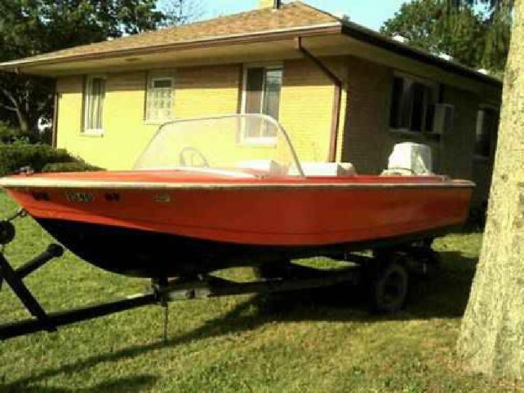 $700 14 foot 1973 Geneva Windsor motor boat