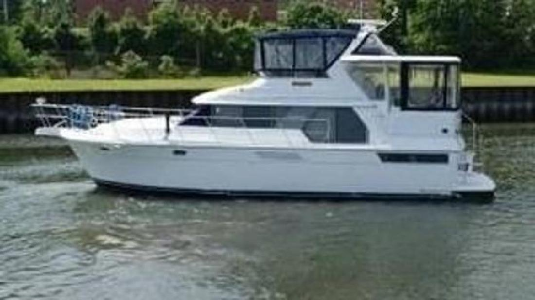 1993 Carver 440 Aft Cabin Motor Yacht Greenport NY in Westbrook, CT