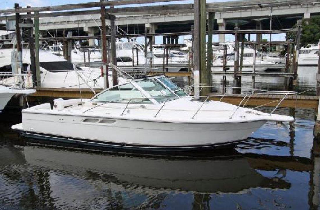 1999 29' Tiara Yachts 2900 Coronet in Fort Lauderdale, Florida