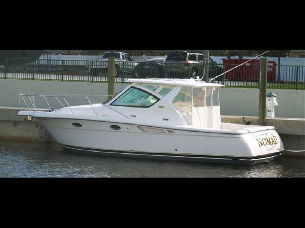 2008 30' Tiara Yachts 3000 Open