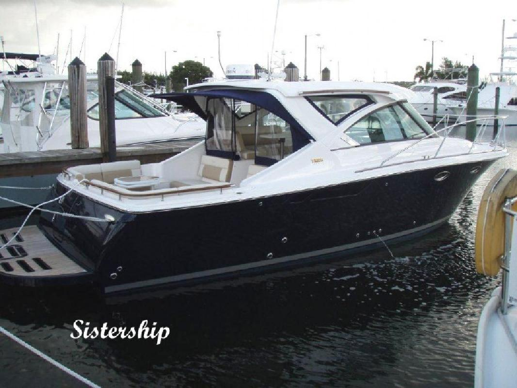 2012 31' Tiara Yachts 3100 Coronet