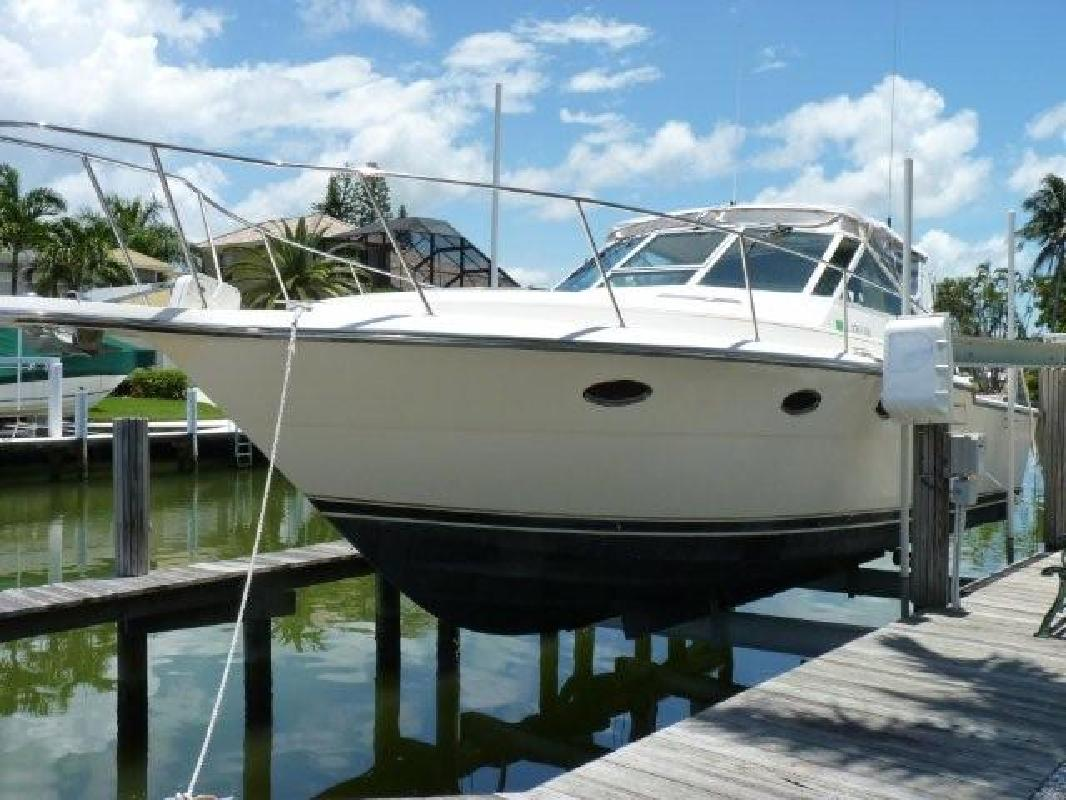 1992 33' Tiara Yachts 3300 Open in Naples, Florida