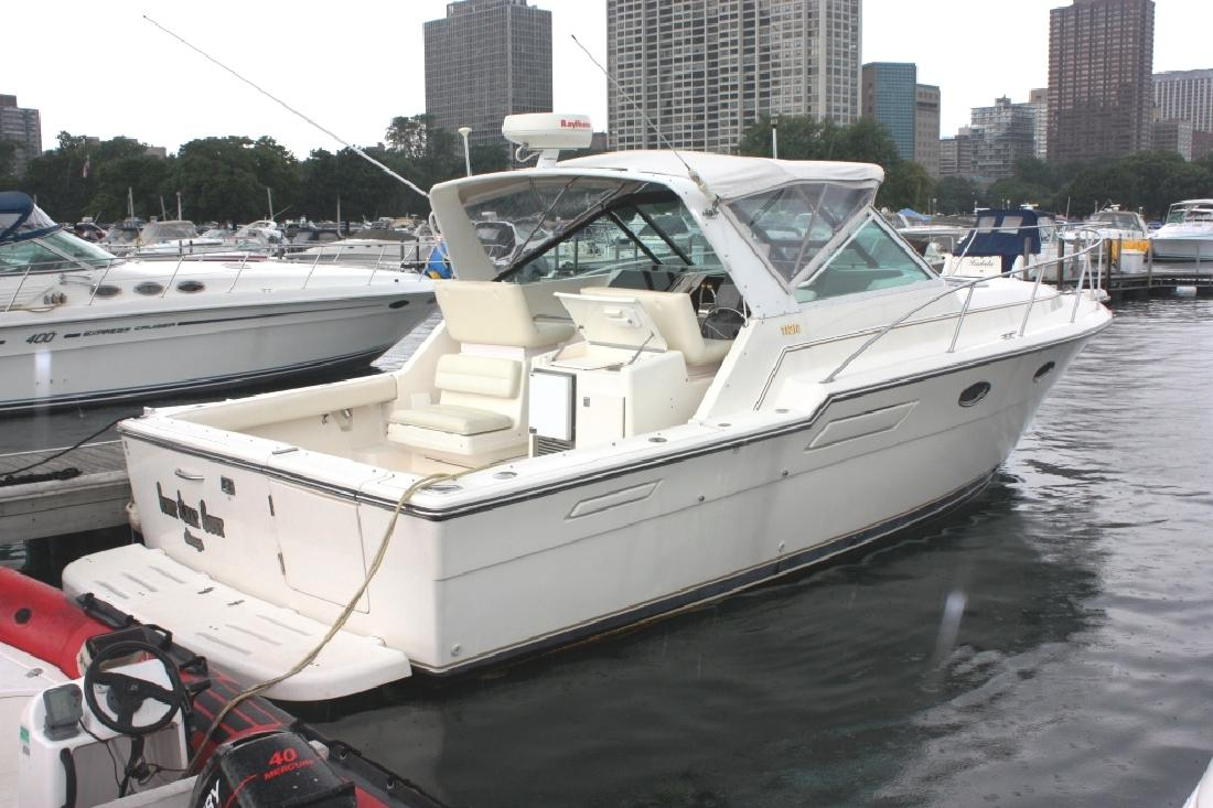 1995 33' Tiara Yachts 3300 Open in Chicago, Illinois